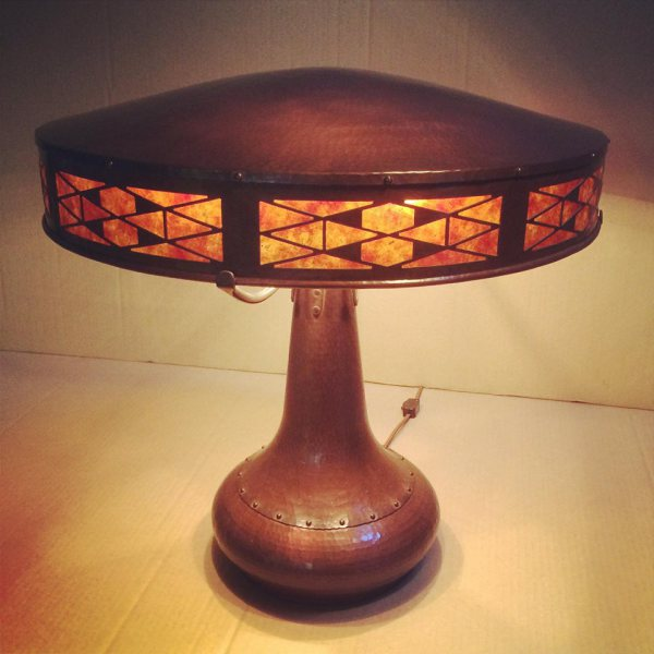 Flat Top table lamp